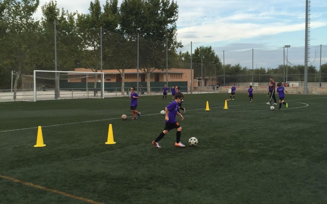 Ven a nuestra escuela de Futbol